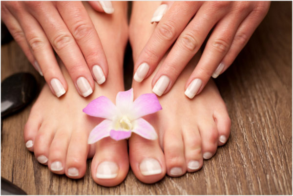 Manucures & Pedicures